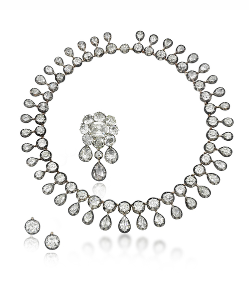 Et si on s'offrait les bijoux de Marie-Antoinette ? Diamon10