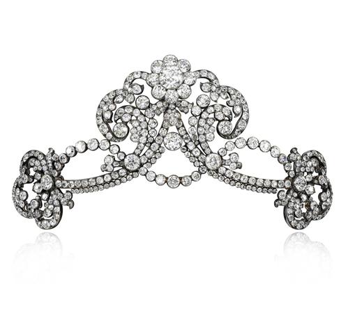 Et si on s'offrait les bijoux de Marie-Antoinette ? Diamon11