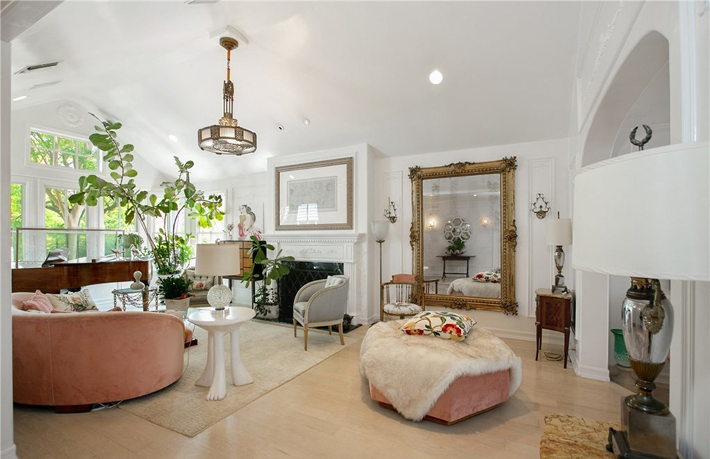 Acheter le palais Marie-Antoinette de Kirsten Dunst ? Kirste11