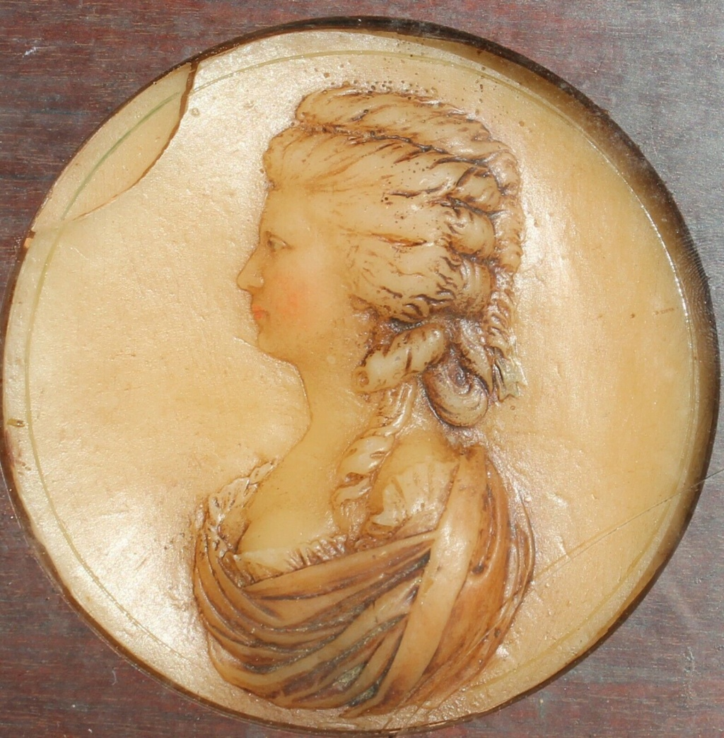 A vendre: miniatures de Marie Antoinette? - Page 8 S-l16017