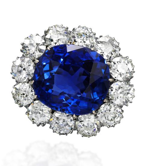 Et si on s'offrait les bijoux de Marie-Antoinette ? Sapphi10