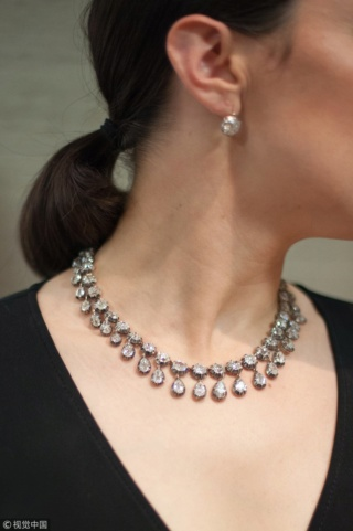 Et si on s'offrait les bijoux de Marie-Antoinette ? Zzantb11