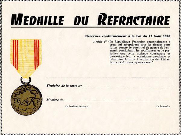 Insigne du Réfractaire Medail10
