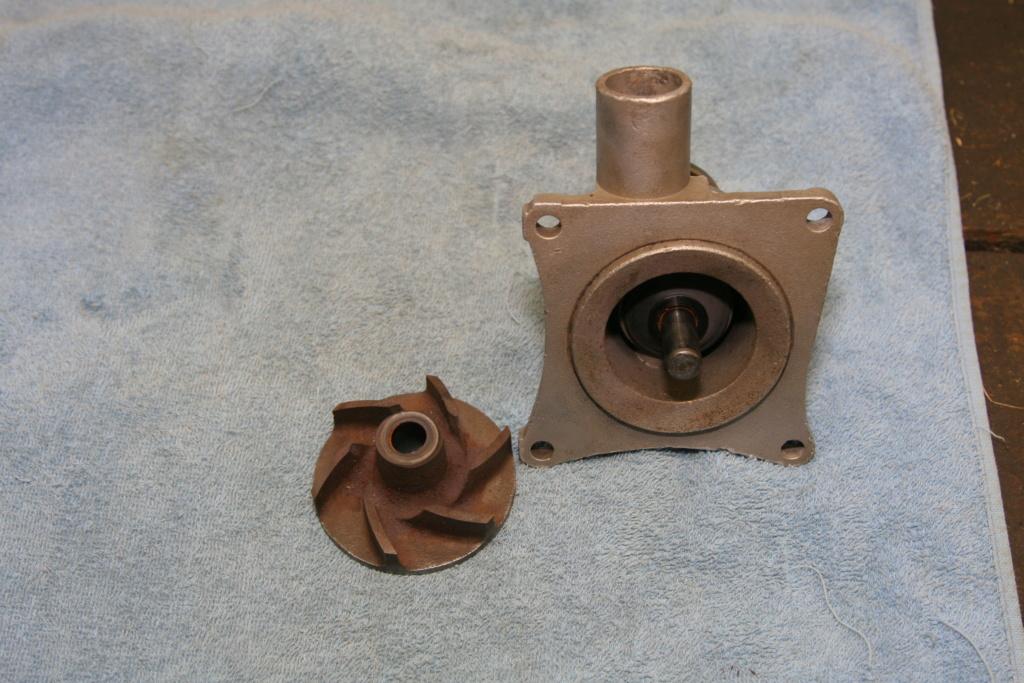Pompe à eau Img_7111