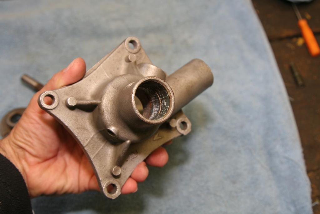 Pompe à eau Img_7112