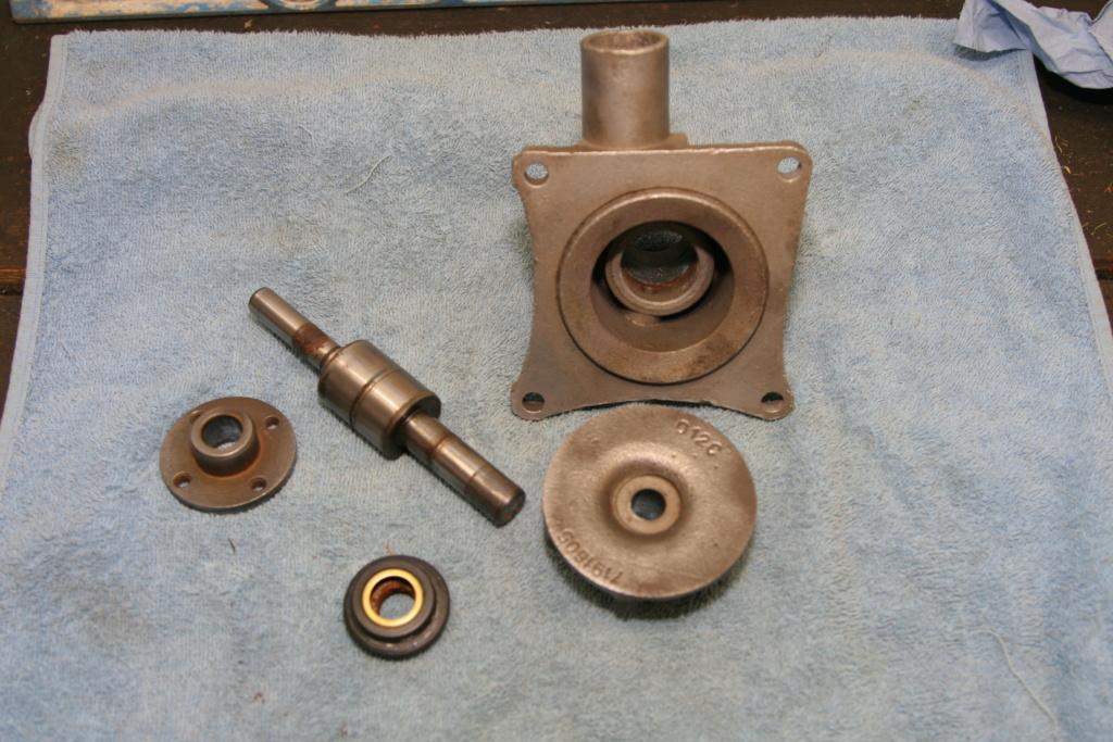 Pompe à eau Img_7114