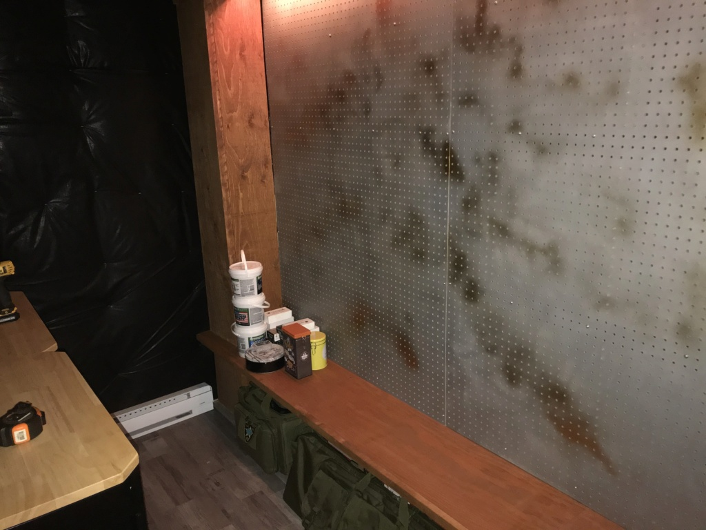 Projet - Gun-room - Page 2 557a8110