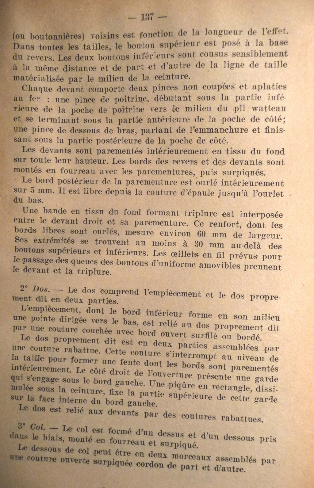 """Recherche """"instructions relatives aux tenues et uniformes"""" de 1958 01110"""