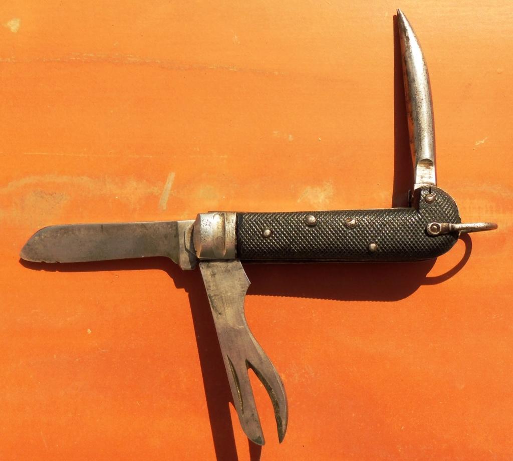 """Les """"jack knives"""", couteaux pliants du Tommy Coutea11"""