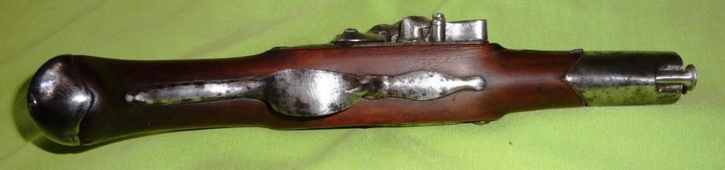 trouvaille d'un pistolet à silex Genrev13