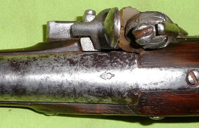 trouvaille d'un pistolet à silex Genrev15