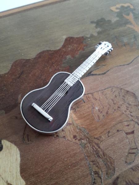 Pendentif Guitare Argent et Palissandre  20181038