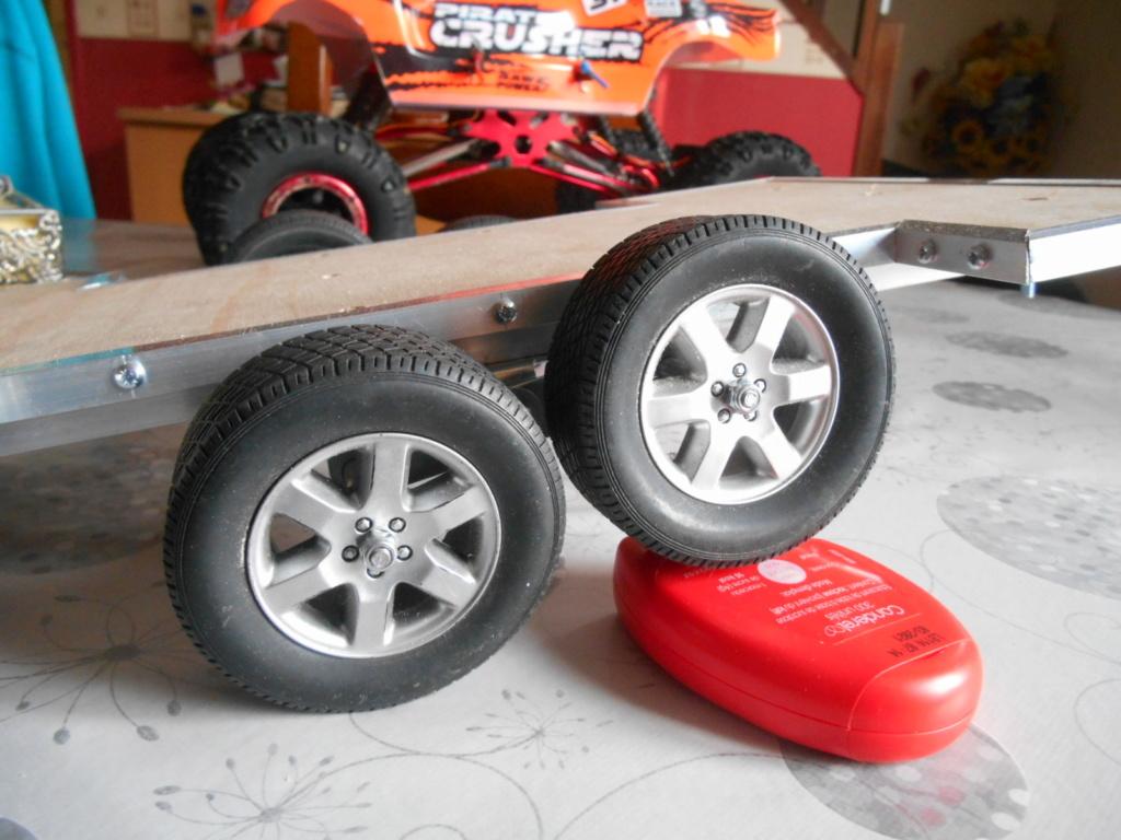 Fabrication remorque plateau 2 essieux 4 roues indépendantes sur balancier faite maison 00510
