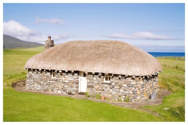 La maison des Mackenzie - Lochmaddy en Écosse Black_11