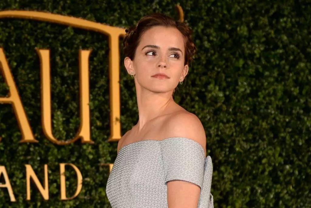 Emma Watson - Page 2 15452410