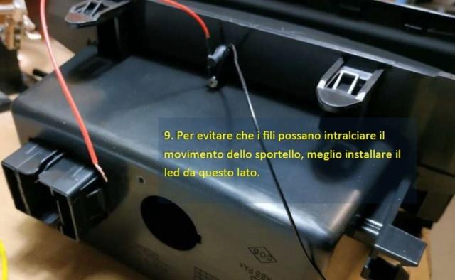 Illuminare vano portaoggetti fronte cambio con led bianco - Pagina 2 F610
