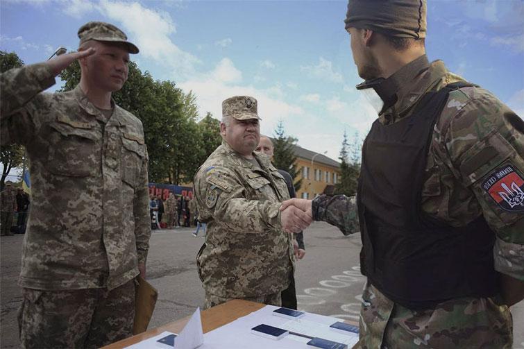 Les partis d'extrême droite préparent la nouvelle révolution en Ukraine U10