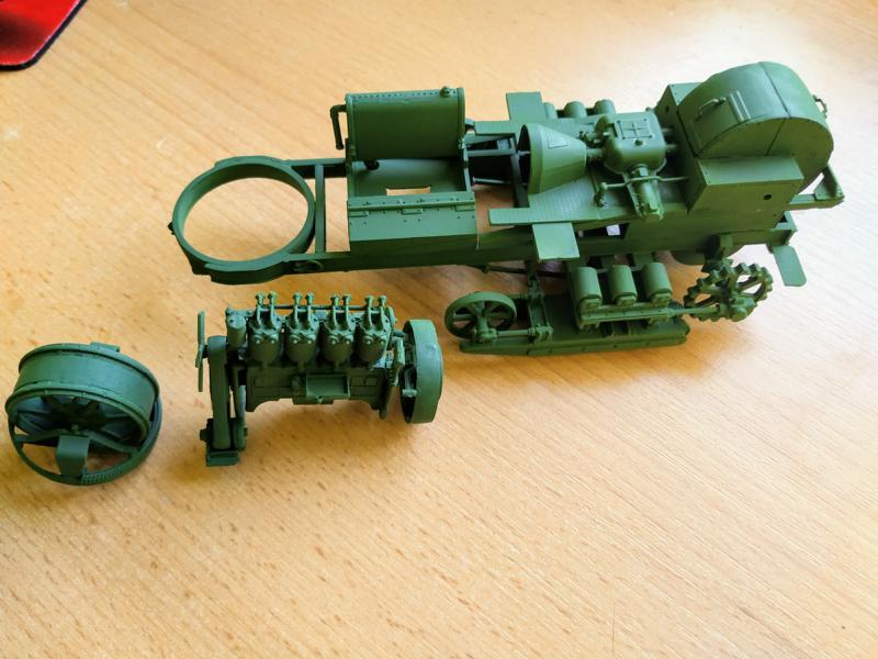 Holt 75 Artillery Tractor w/BL 8-inch Howitzer / Roden, 1:35 K800_i58