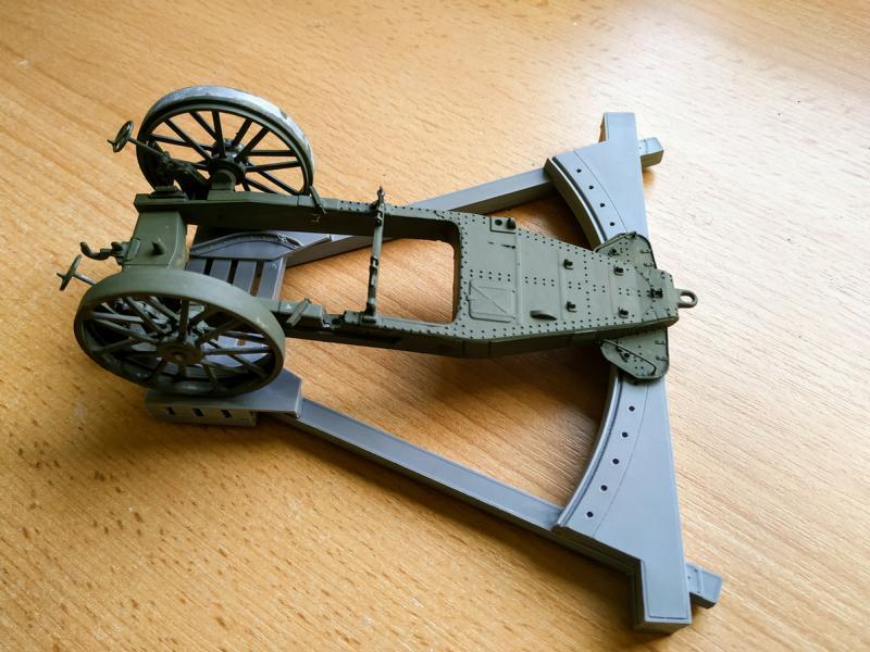 Holt 75 Artillery Tractor w/BL 8-inch Howitzer / Roden, 1:35 K800_i63