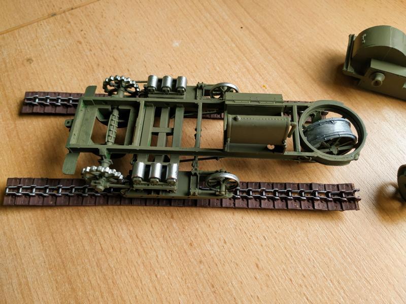 Holt 75 Artillery Tractor w/BL 8-inch Howitzer / Roden, 1:35 K800_i65