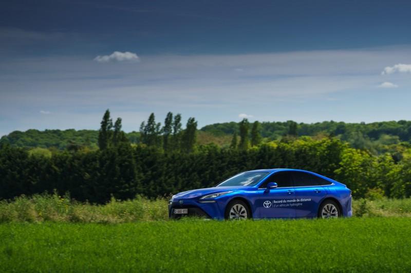Toyota Mirai, plus de 1000 km, record du monde !!! 800_to11