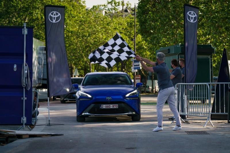 Toyota Mirai, plus de 1000 km, record du monde !!! 800_to14