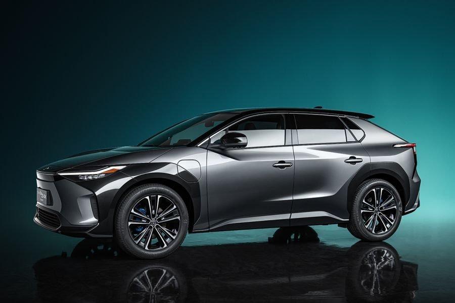 ToyotabZ4X Concept: ce SUV électrique gagnera en autonomie grâce à des panneaux solaires Toyota59