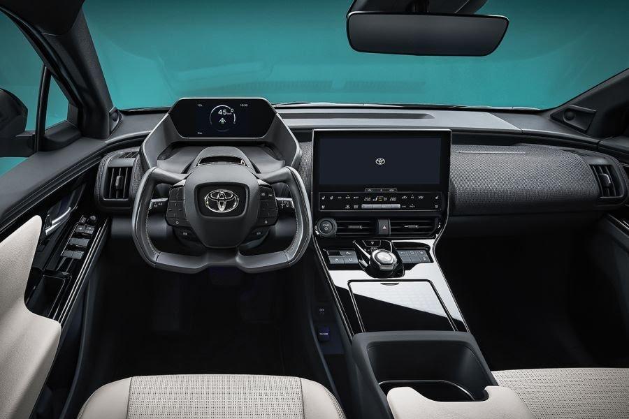 ToyotabZ4X Concept: ce SUV électrique gagnera en autonomie grâce à des panneaux solaires Toyota60