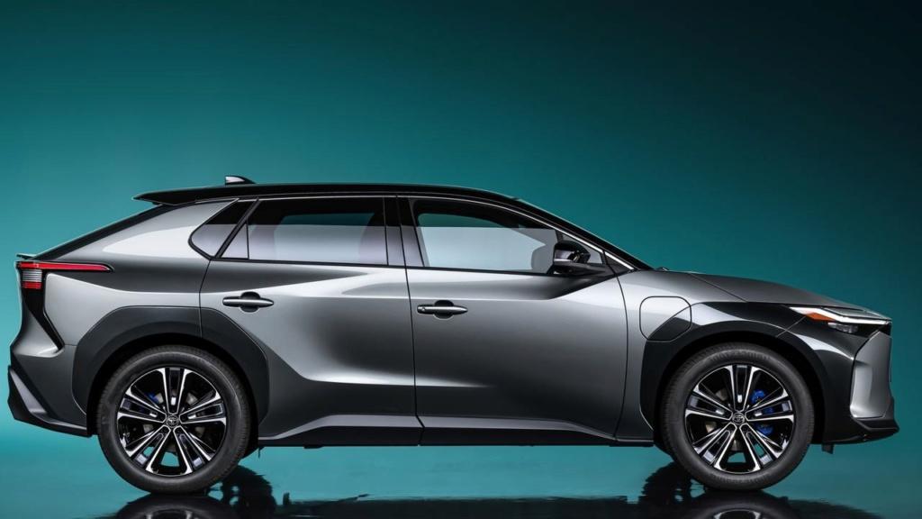 ToyotabZ4X Concept: ce SUV électrique gagnera en autonomie grâce à des panneaux solaires Toyota68