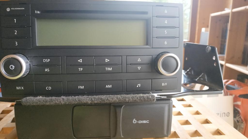 Poste DELTA (7L6 035 195A) avec chargeur 6 cds Img_2010