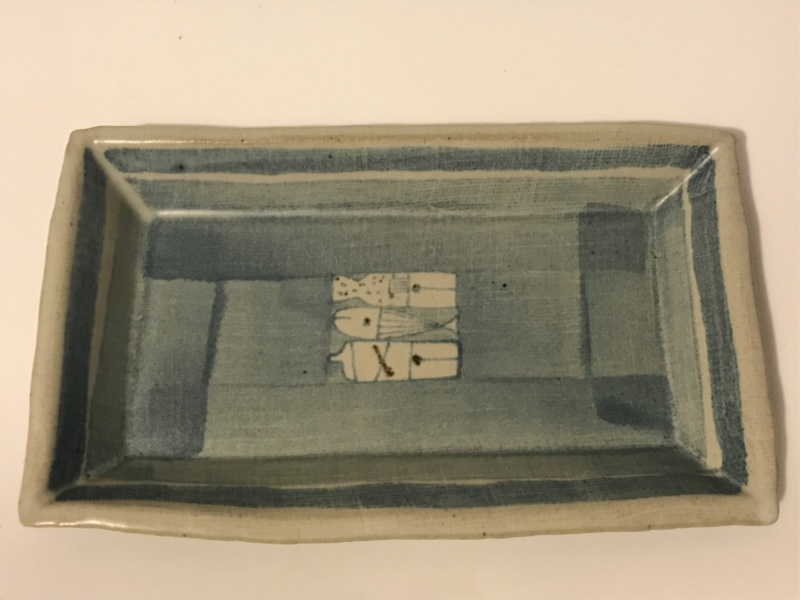 Blu white ceramic tray with Whales motifs .Unknown pottery mark. Img_0115