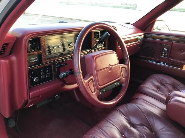 Chrysler Fifth Avenue 1992 en Hollande à  2000 euros  Chrysl12