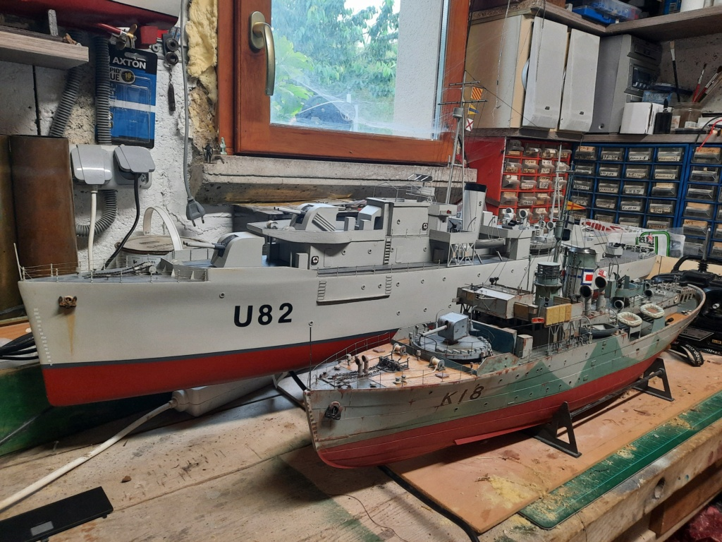 HMS Classe Black Swan 1/72° - Page 3 20210623