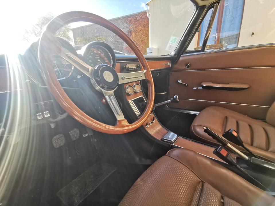 Présentation Alfa Bertone 1750 serie 1 Image010