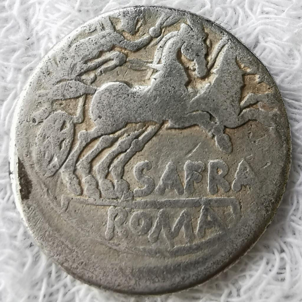 Denario de la gens Afrania. S AFRA ROMA. Victoria conduciendo biga a dcha. Roma. Img_2067