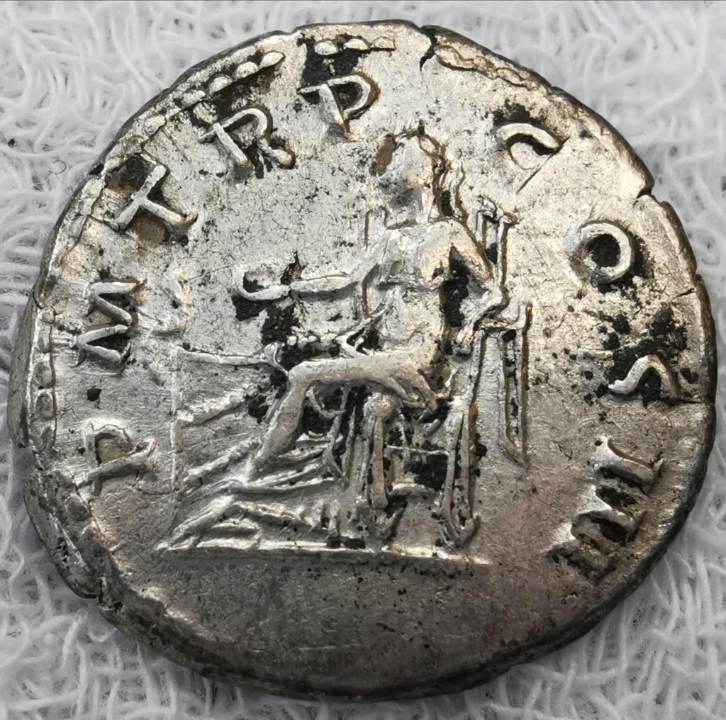 Denario de Adriano. P M TR P COS III. Salvs. Roma Img_2153