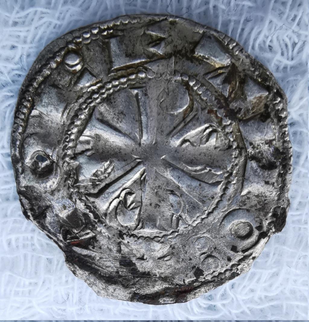 Dinero Alfonso VI - El Bravo. Toledo. Reino de Castilla y León (1073-1109) Img_2176
