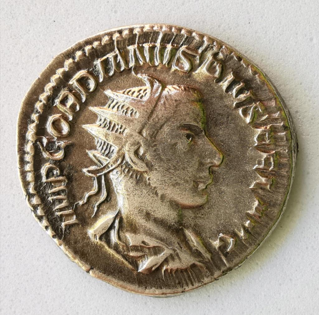 Antoniniano de Gordiano III. IOVI STATORI. Roma Img_2229