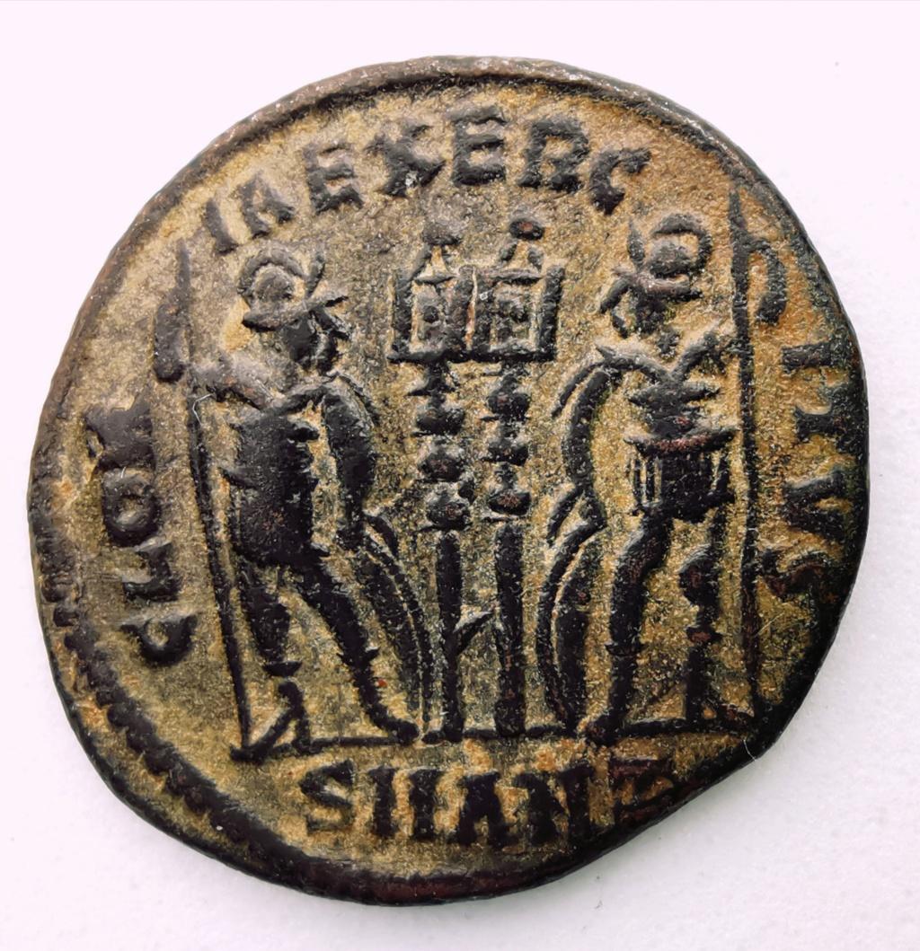AE3 de Constancio II. GLORIA EXERCITVS. Antioquía Img_2232