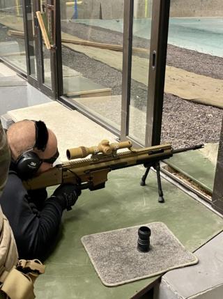 Quelqu'un a-t-il vu le nouveau fusil SCAR-HPR de près ??? Img_7410