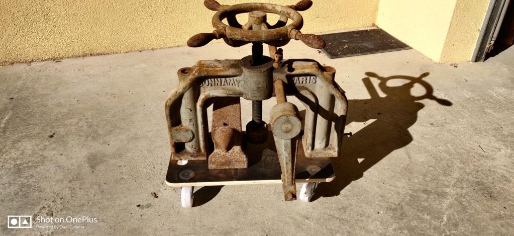 Identification d'une vieille presse manuelle Img_2013