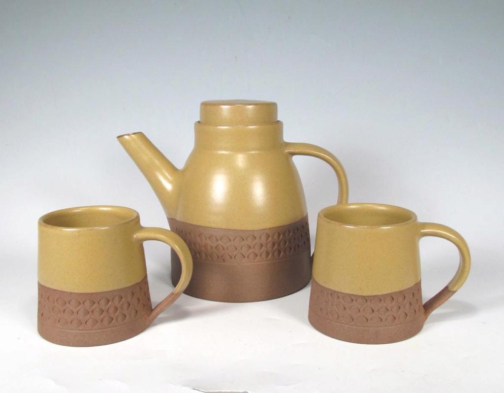Mid Century style coffee pot / mugs stoneware with impressed decor Zx210