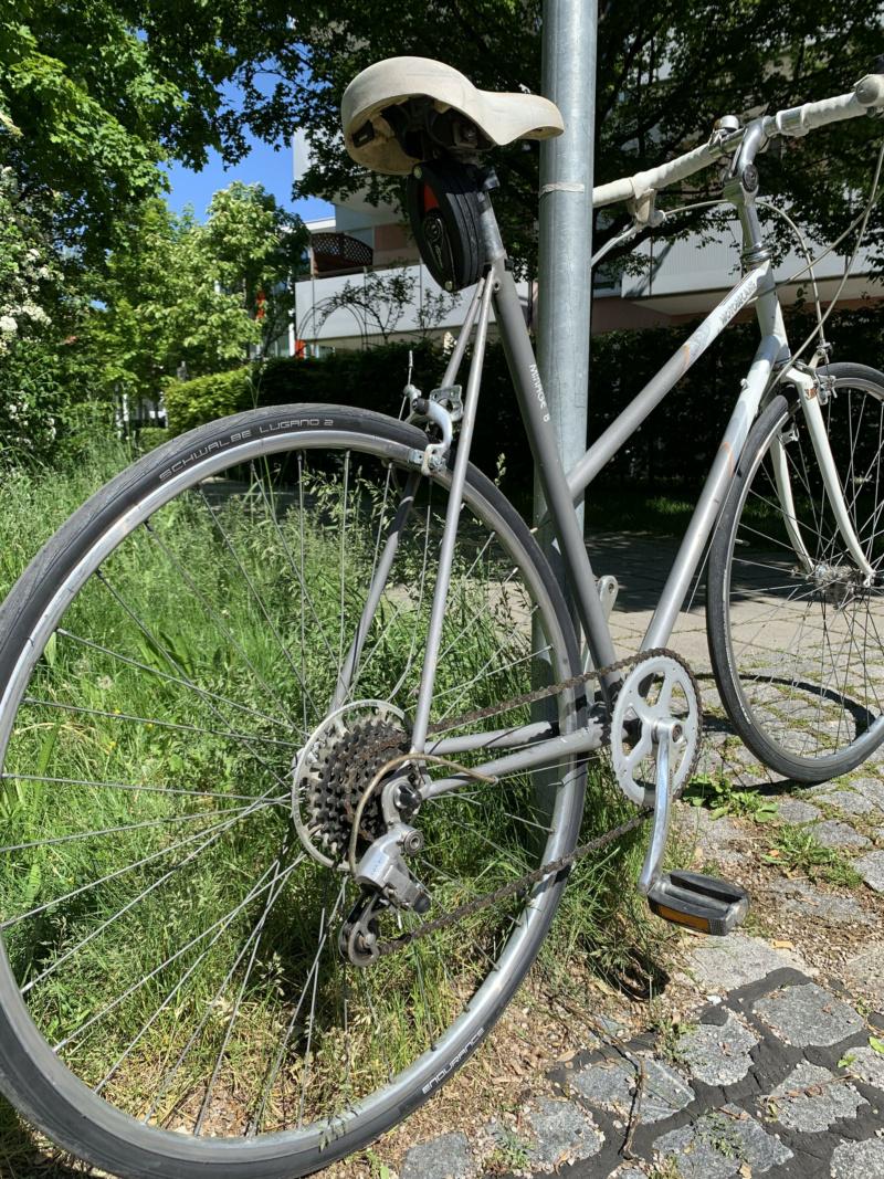 Changement roue arrière Motobécane Mirage, dérailleur Sachs Maillard 8 vitesses Photo310