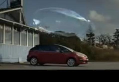 [VIDEO] Les pubs Citroën/DS - Page 7 18_bmp11