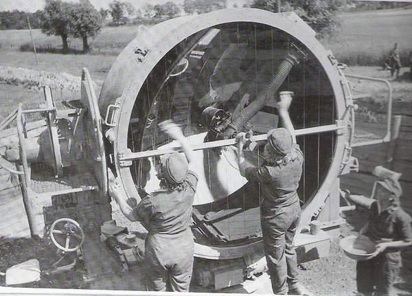bunker - Bunker et projecteur - Page 2 Luftwa10