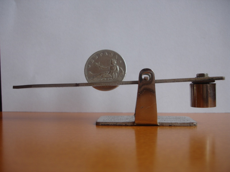 "Mi nueva balanza ""La infalible"" del siglo XIX Dsc06417"