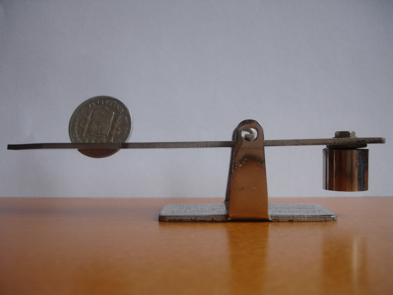 "Mi nueva balanza ""La infalible"" del siglo XIX Dsc06513"