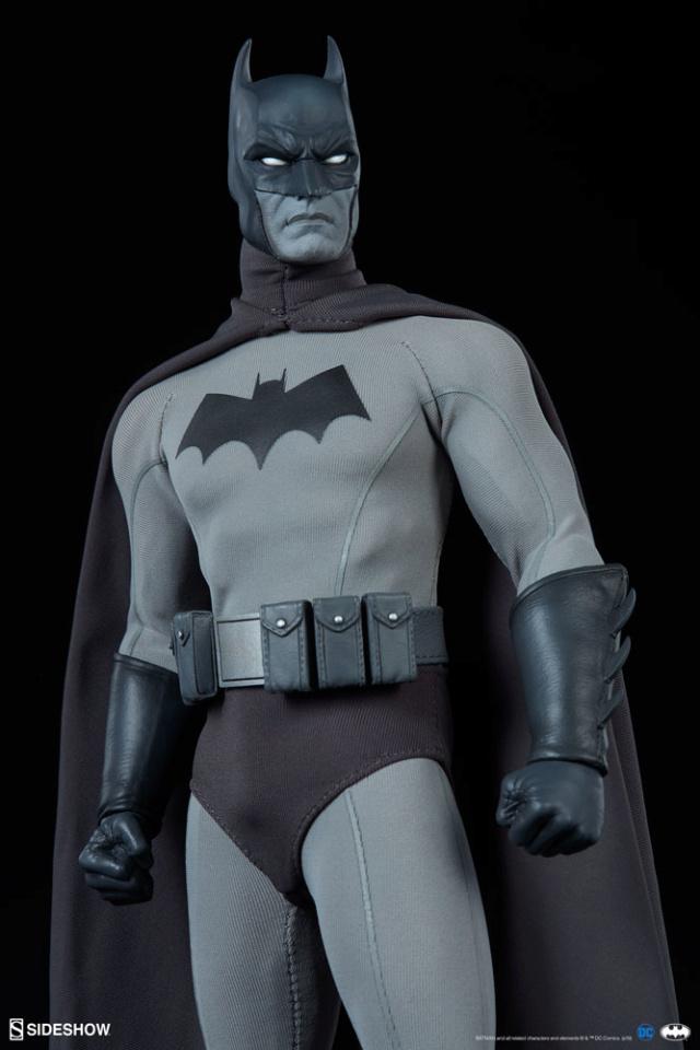 Batman (Noir Version) Sixth Scale Figure  Batma152