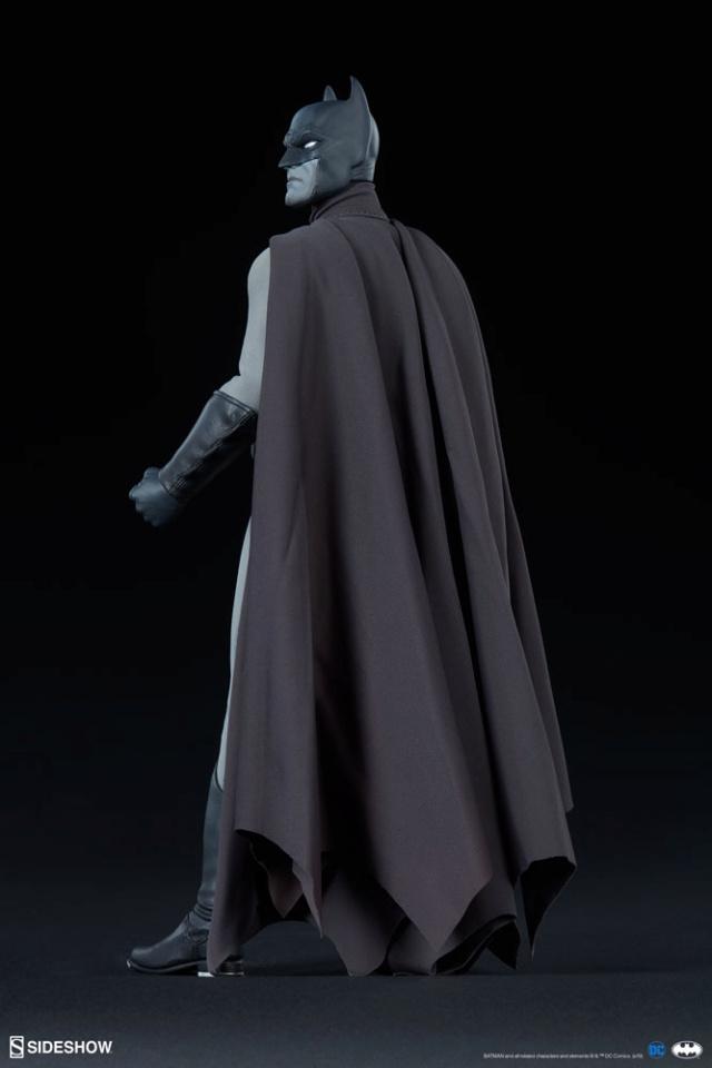 Batman (Noir Version) Sixth Scale Figure  Batma153