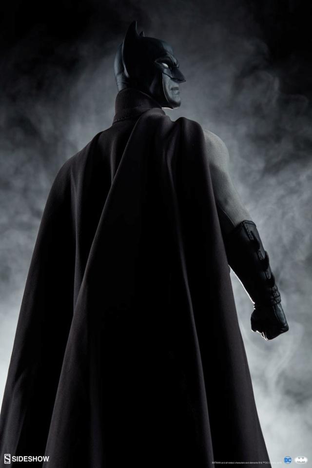 Batman (Noir Version) Sixth Scale Figure  Batma155